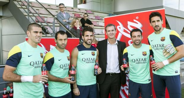 كوكا كولا تحتفي بنجوم برشلونة